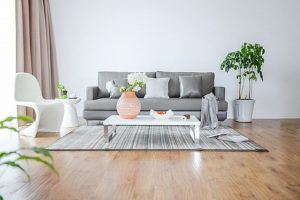 Jak na zápach v domácnosti? Základem je správný úklid