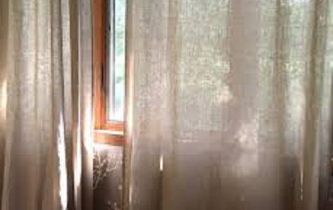 lněný závěs (zdroj foto: www.roughlinen.comen.com)