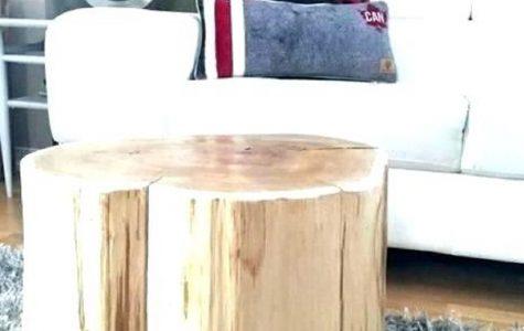 špalek jako noční stolek (zdroj foto: http://makemyfreshener.co)