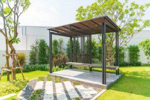 Víte, co všechno si můžete postavit na zahradě?